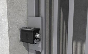 Tokoz Safety Box II, application of the lock securing single metal gate.